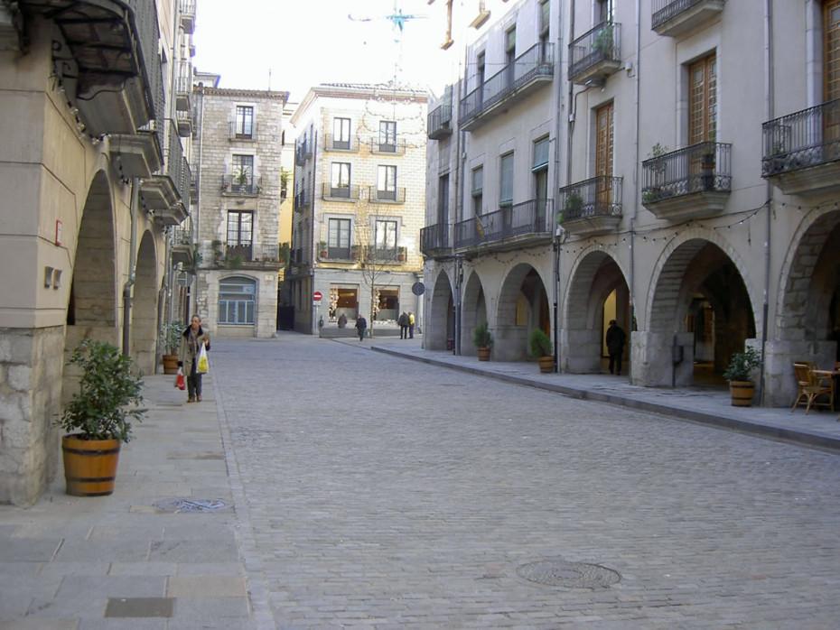 Remodelacio plaça del vi (Girona)
